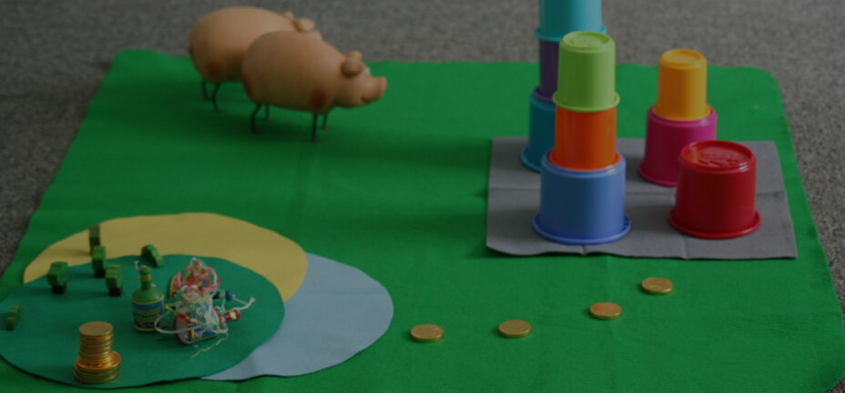 Idea homepage hero - A playmat with toys