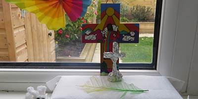 Windowsill prayer display