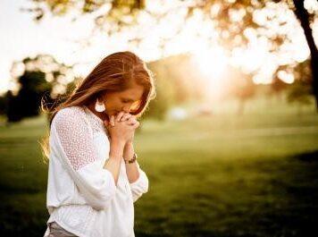 Christian Prayer - What helps people pray?