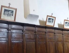 Churches that feature stations of the cross